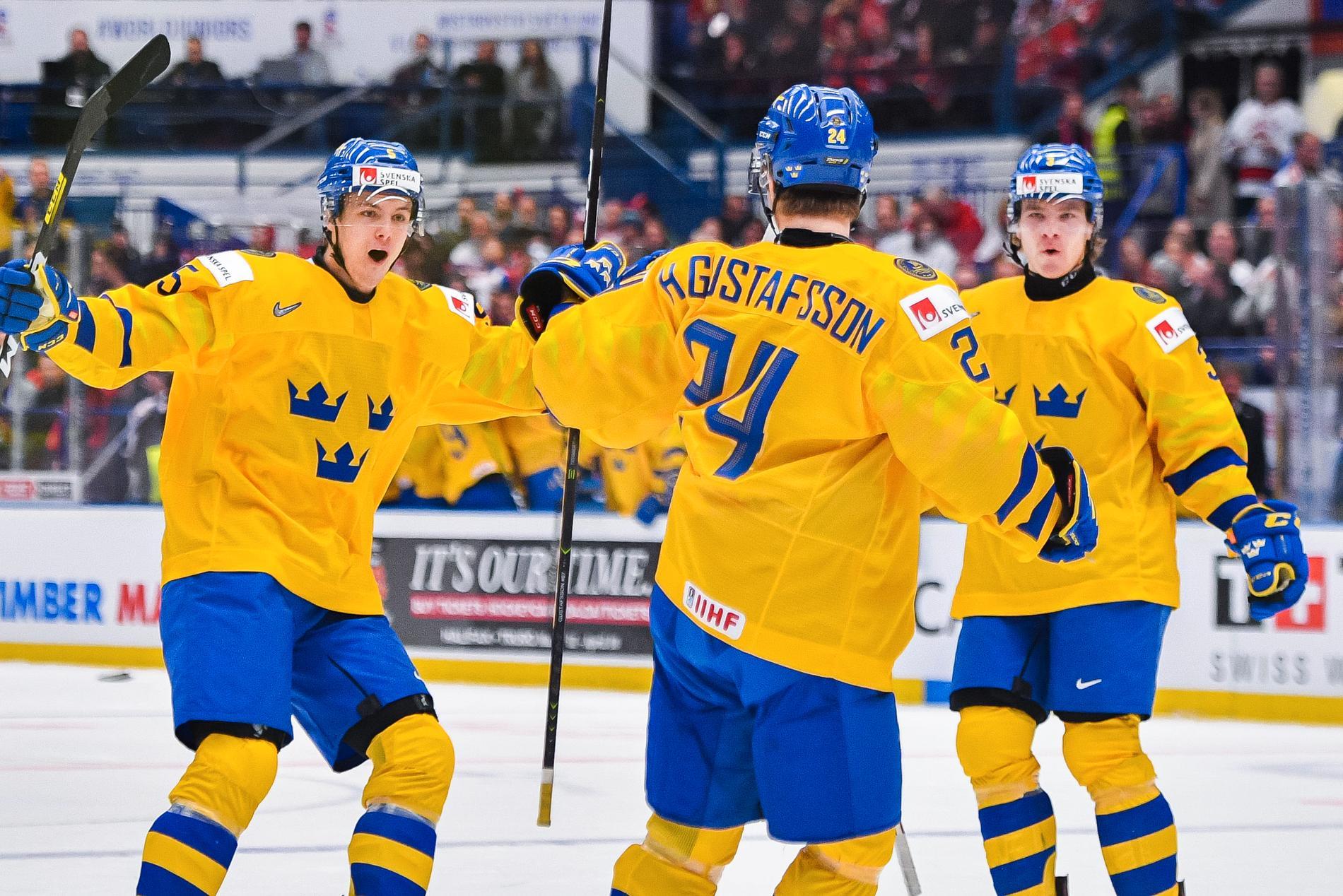 Philip Broberg (vänster) blir kapten i JVM.