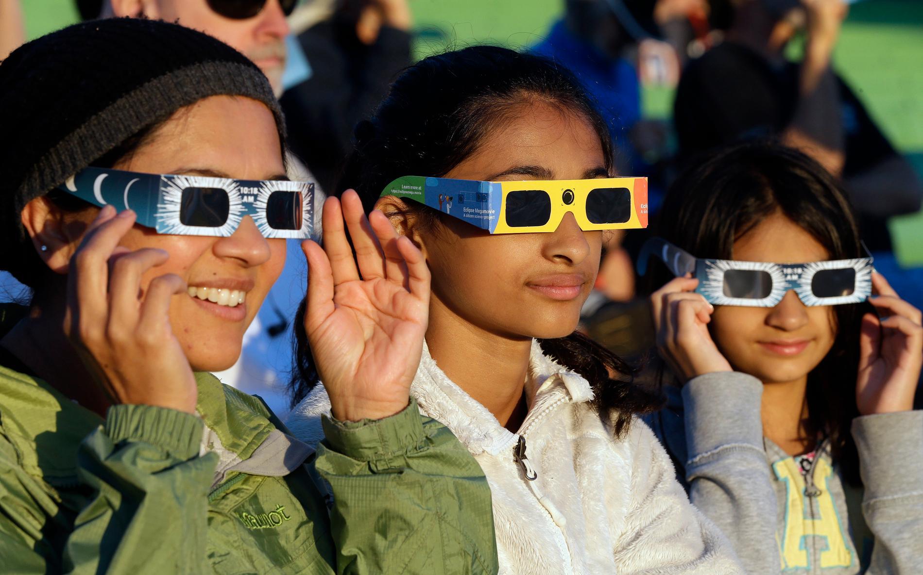 Den 2 juli inträffar en total solförmörkelse i Argentina och Chile. Bild från 2017 års totala solförmörkelse i USA.