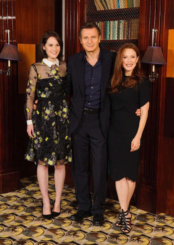 Liam Neeson med Michelle Dockery och Julianne Moore.