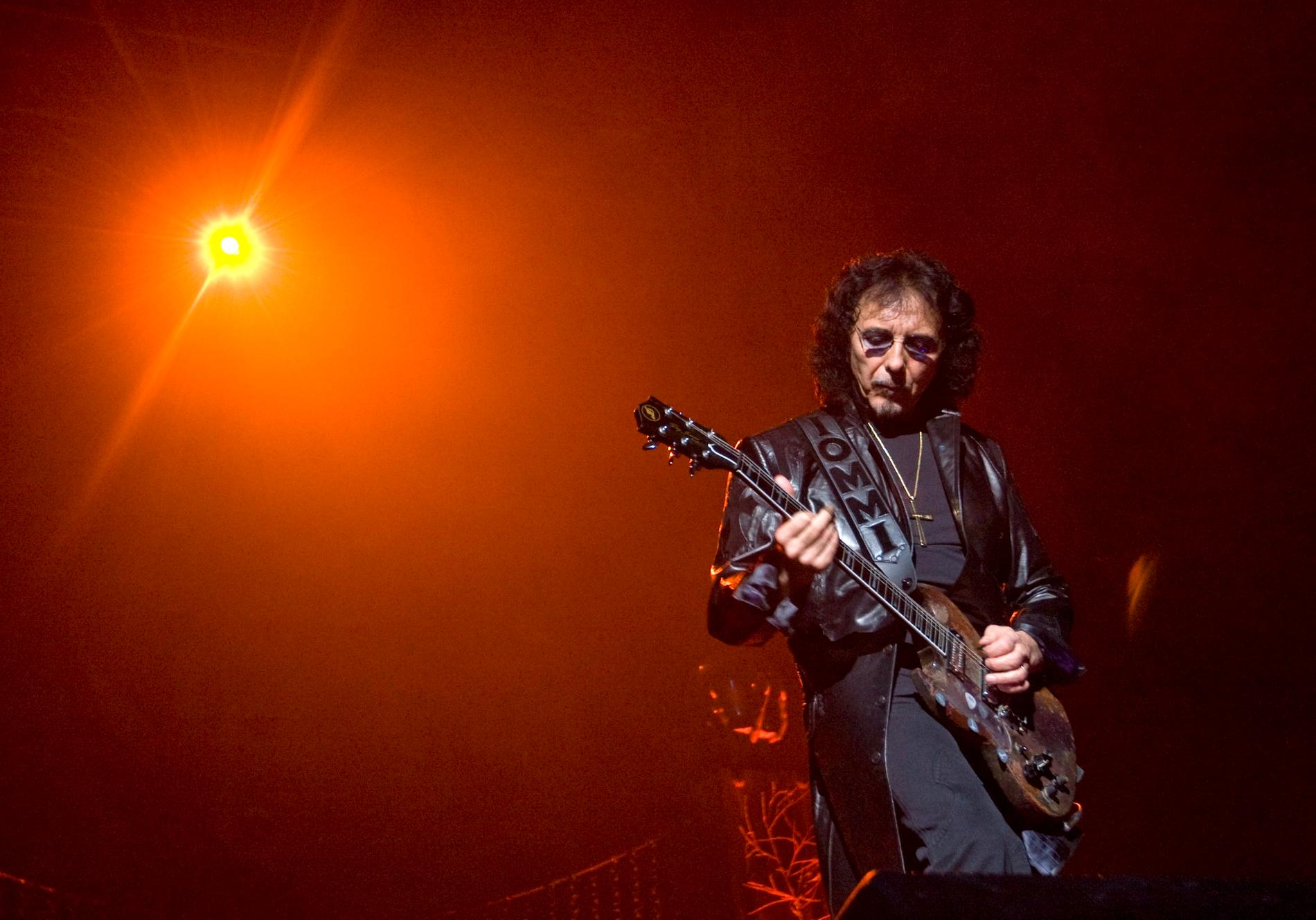Slutdatumet för Tony Iommis cancerbehandling närmar sig.