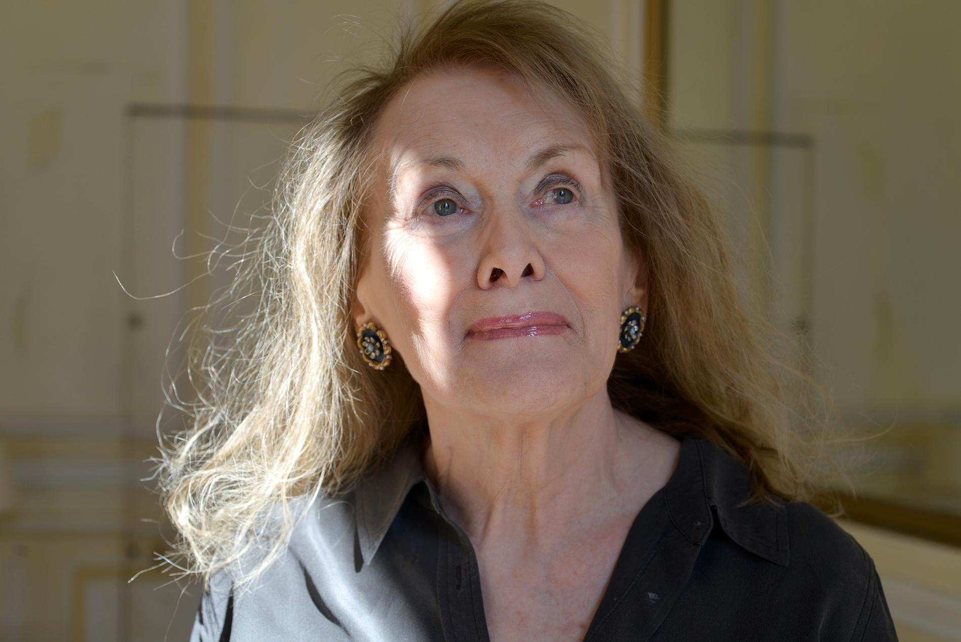 """Annie Ernaux är aktuell med """"En flickas memoarer""""."""