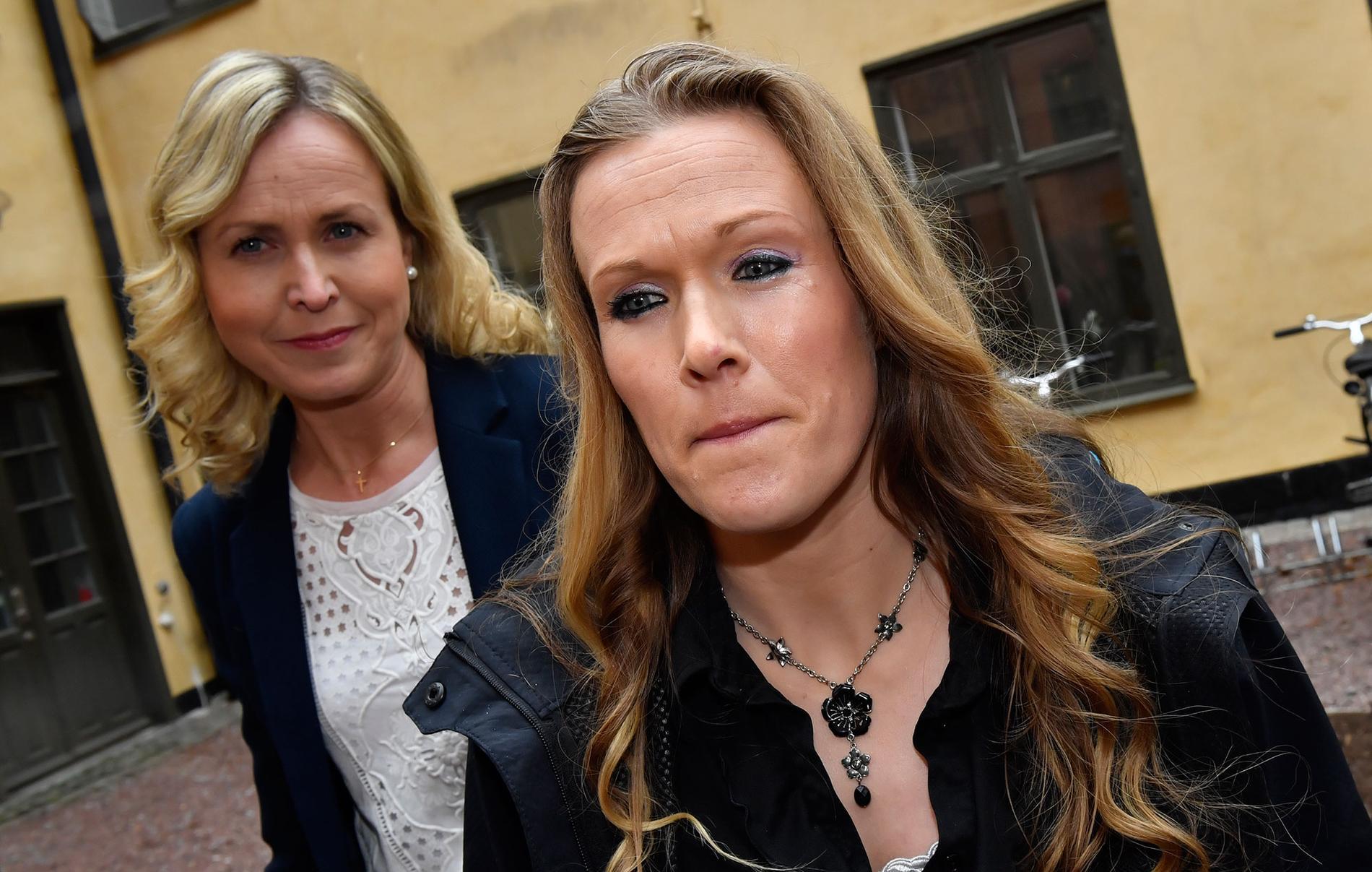 Fick nobben i Europadomstolen. Barnmorskan Ellinor Grimmark (t.h.) och hennes juridiska ombud Ruth Nordström (t.v.).