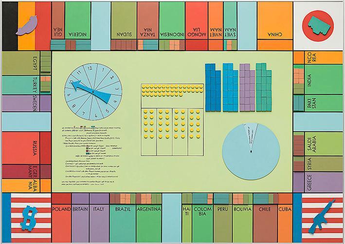 """Utställningen """"Manipulera världen"""" förvandlar både betraktaren och det som visas till brickor i ett större spel med okänd spelledare, skriver Fredrik Svensk. Här inspiratören Öyvind Fahlströms eget verk """"World trade monopoly (B, Large)"""", 1970, variabel målning. Akryl och tusch på magneter och vinyl."""
