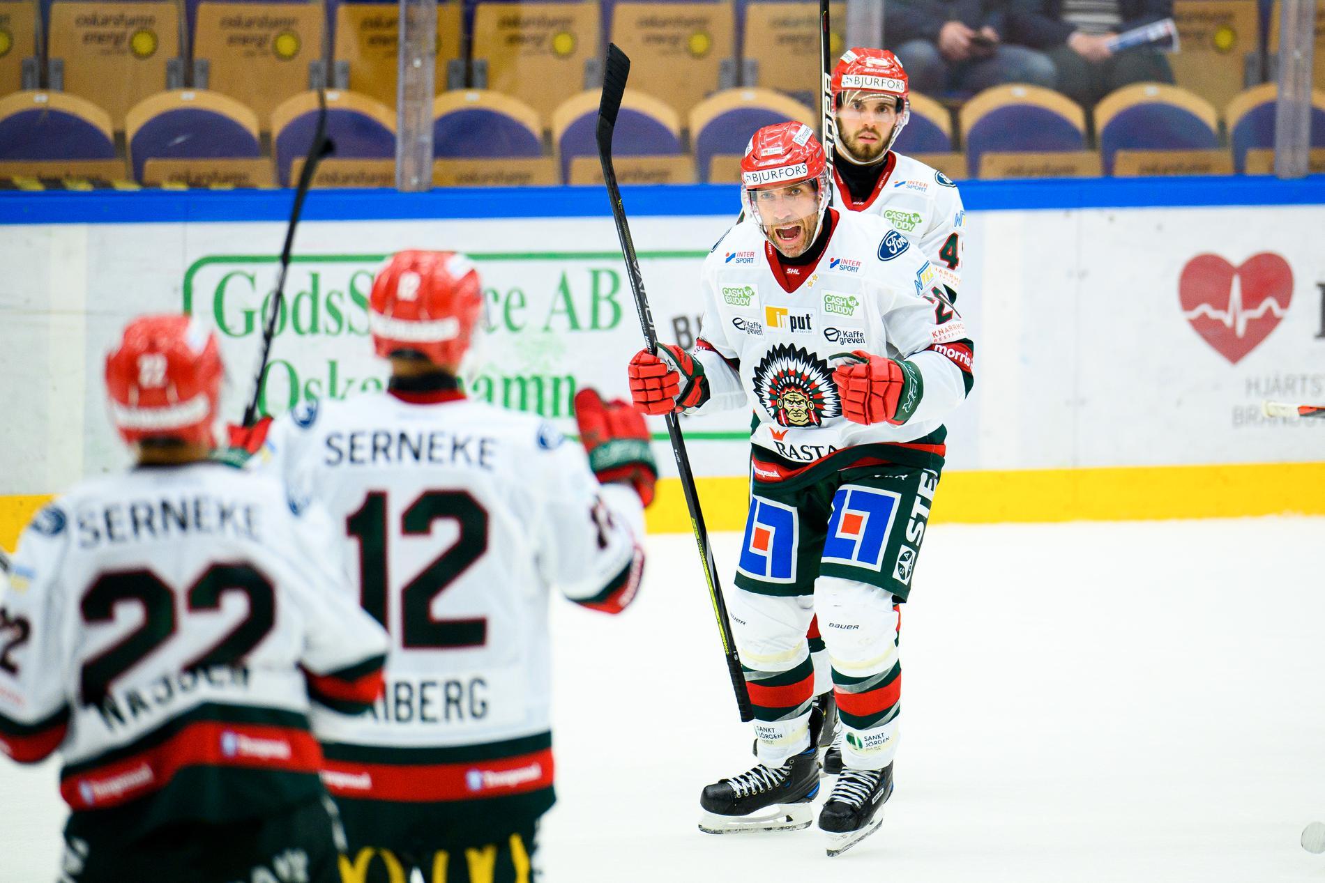 Joel Lundqvist firar segern mot Oskarshamn.