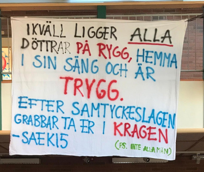 En avgångsklass från Stiernhööksgymnasiet har bestämt sig för att ge svar på tal.