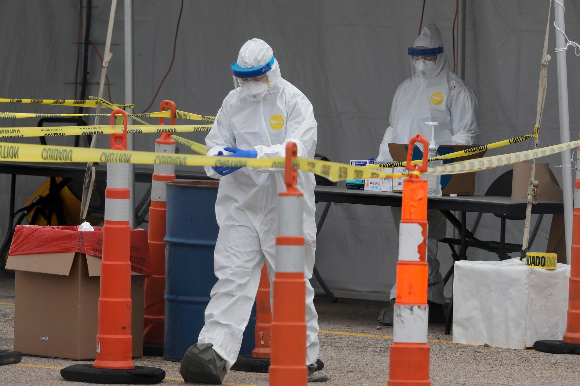 Dödstalet i coronapandemin har stigit till över 10000 i USA.