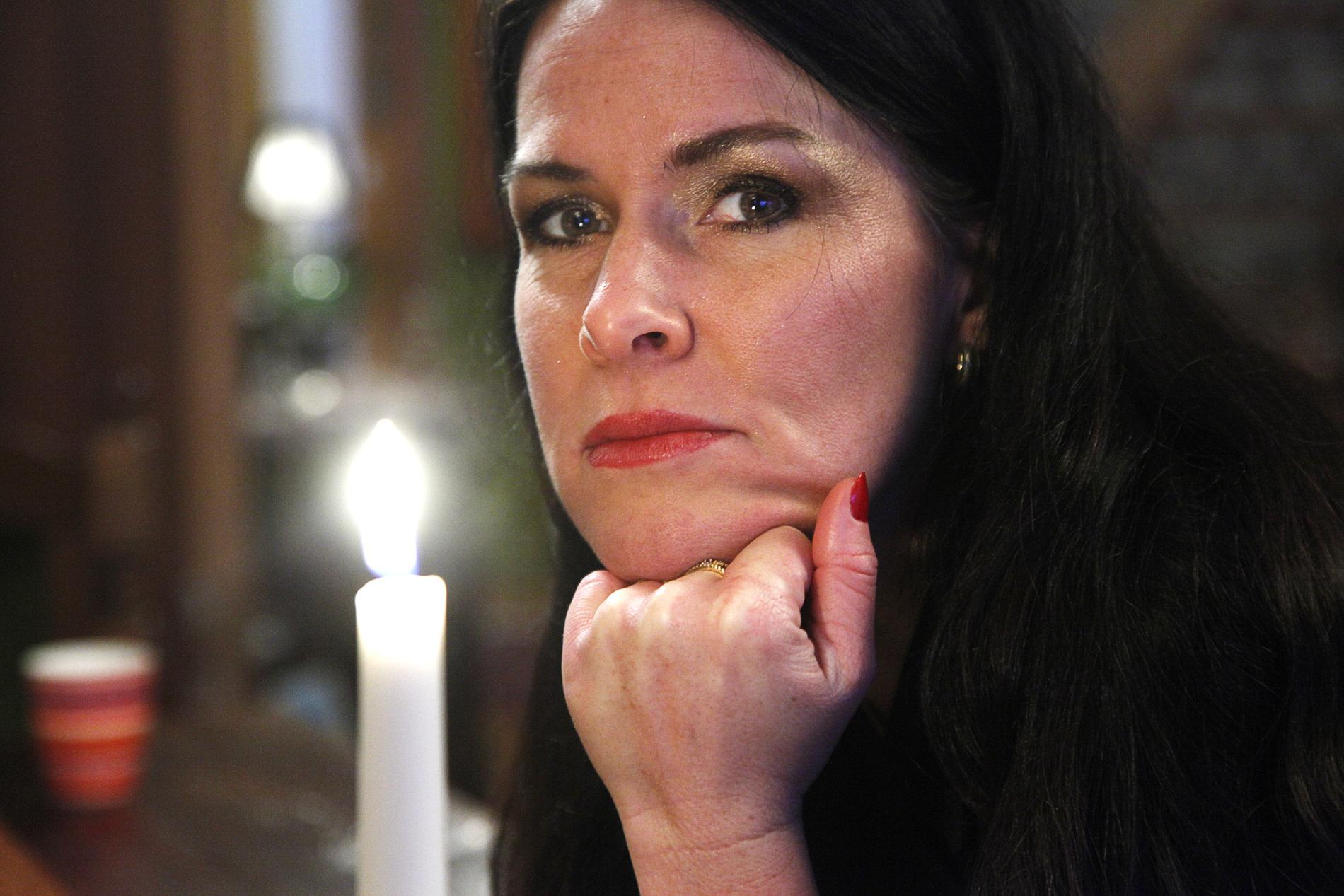 Åsa Waldau fälls för åtta fall av misshandel. Tingsrätten dömer henne till villkorlig dom och samhällstjänst.