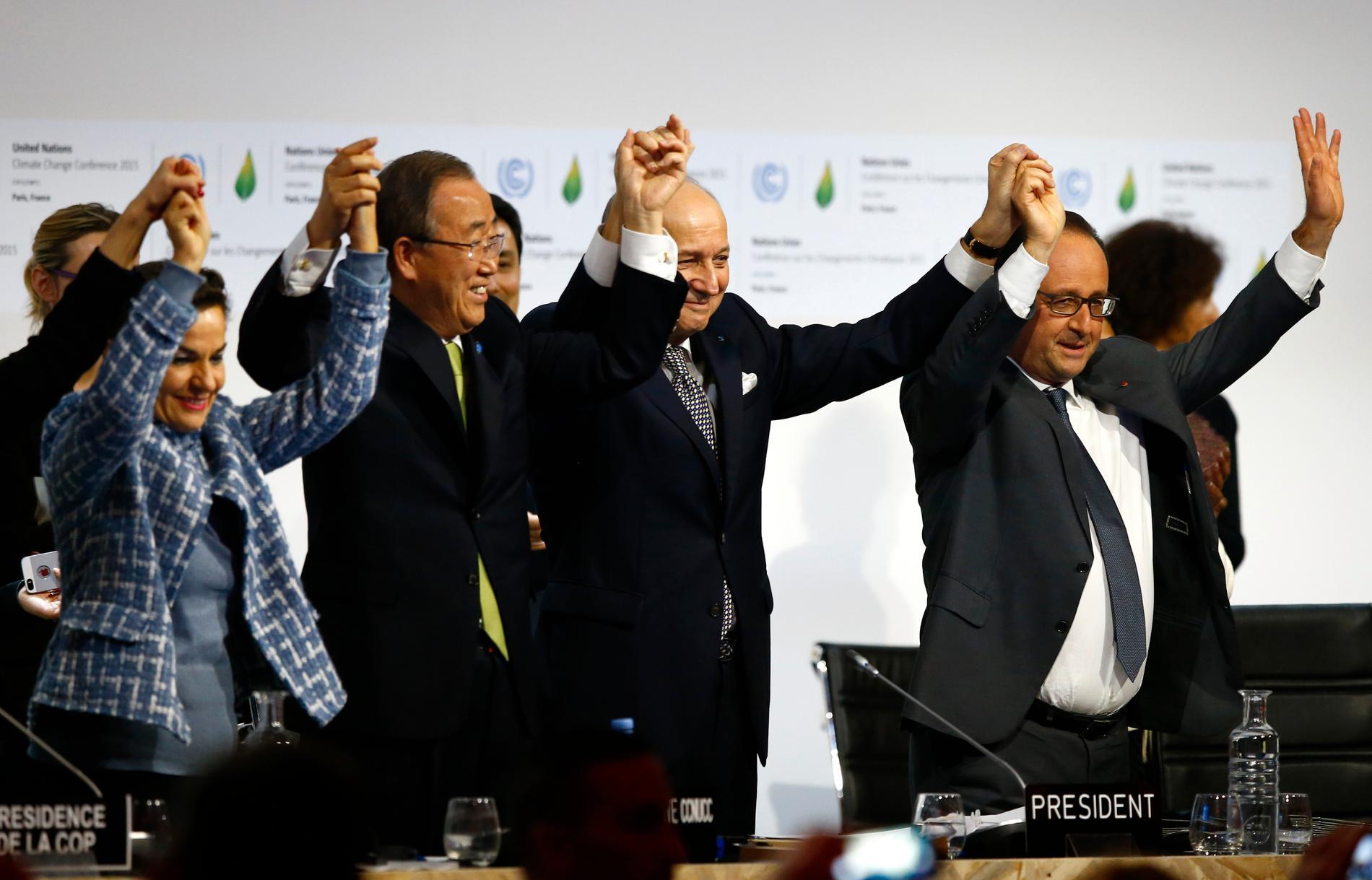 Miljökonferenser och politikerlöften som här i Paris 2015 har inte fört kampen mot klimatkrisen framåt, enligt över 11000 forskare.