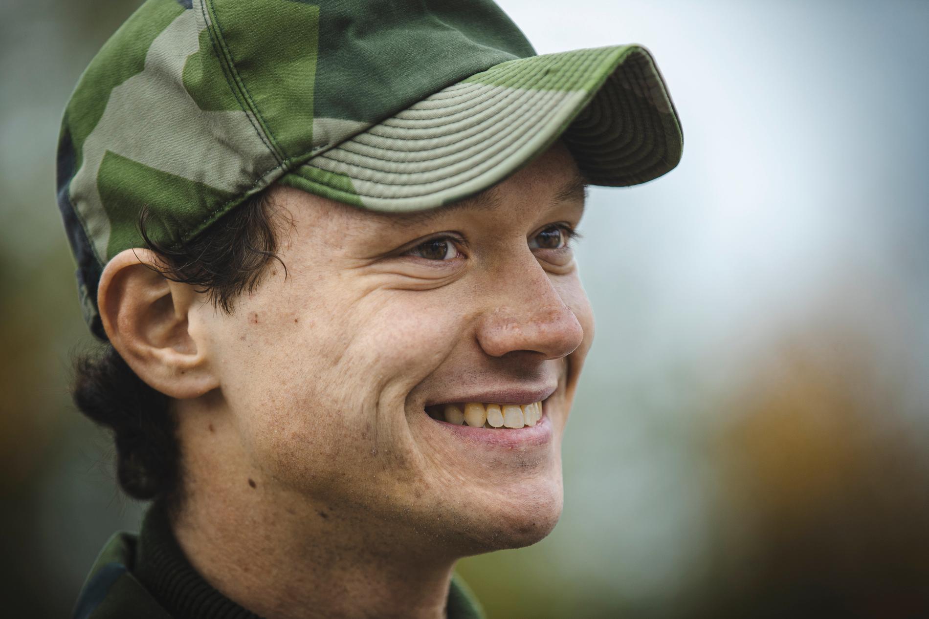"""""""Det jag gillar med det militära sättet att tänka är att man ska lösa en uppgift"""", säger Nils van der Poel."""