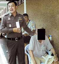 Greps i Thailand I går grep thailändsk polis den 53-årige svensk som misstänks för miljonsvindleri.