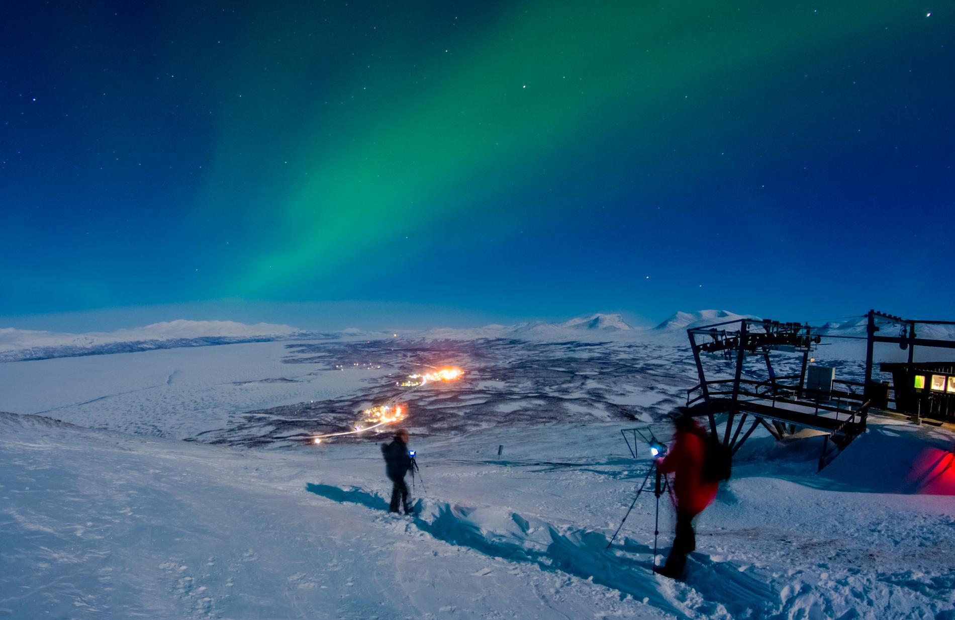 I Abisko finns också goda chanser att se norrsken på vintern.