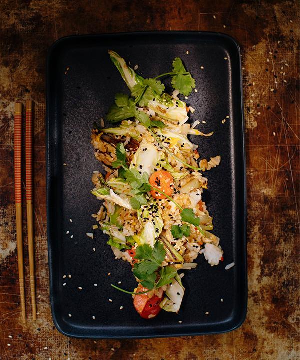 Stekt ris med spännande smaker av chili och ingefära.
