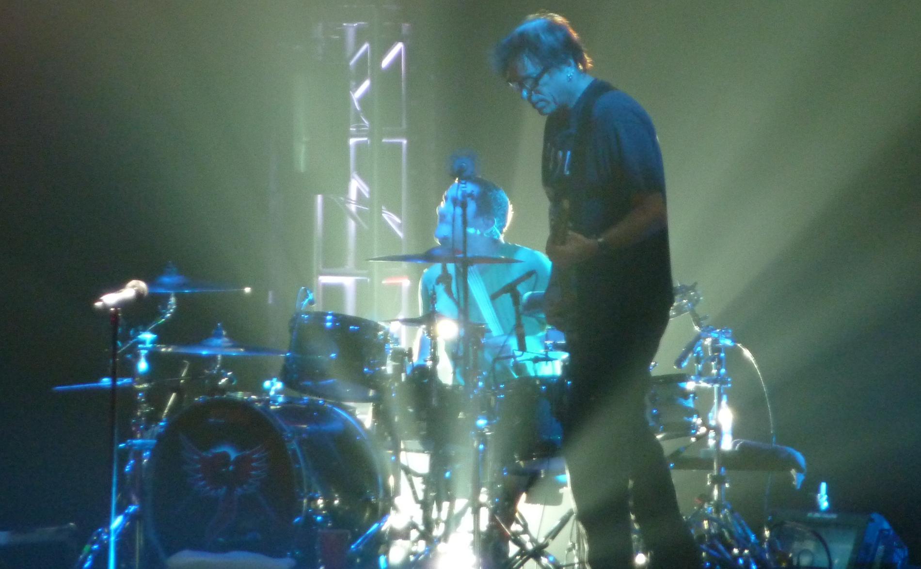 Pete Parada ihop med Noodles (Kevin John Wasserman) på scen 2009.