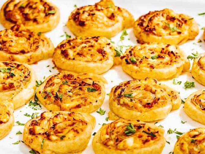 Smördegssnurror med ost.