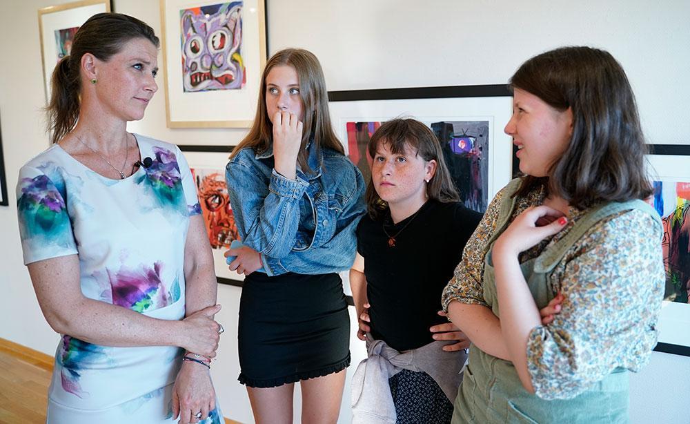 """Norska TV2 har följt prinsessan Märtha Louise och hennes döttrar under ett helt år. Nu visas dokumentären """"Märtha""""."""