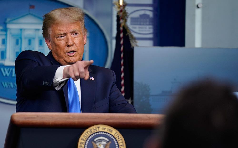 Donald Trump attackerade Harry och Meghan under ett pressmöte i Vita huset.