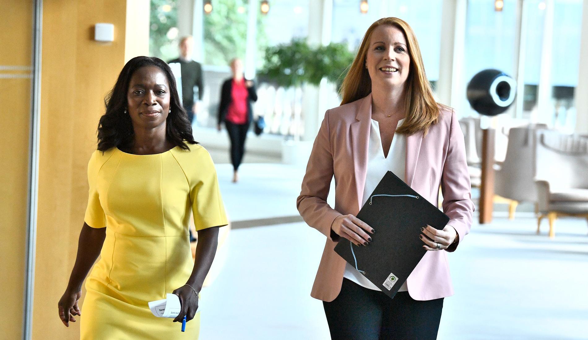Nyamko Sabunis beslut att lämna januariavtalet tvingar Annie Lööf att välja mellan om hon vill stötta en regering som behöver förhandla med V eller SD.
