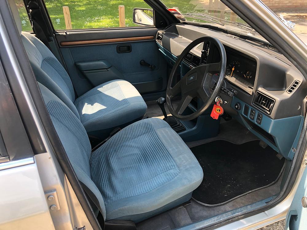 Bilklädseln i velour är samma som när Diana ägde bilen.