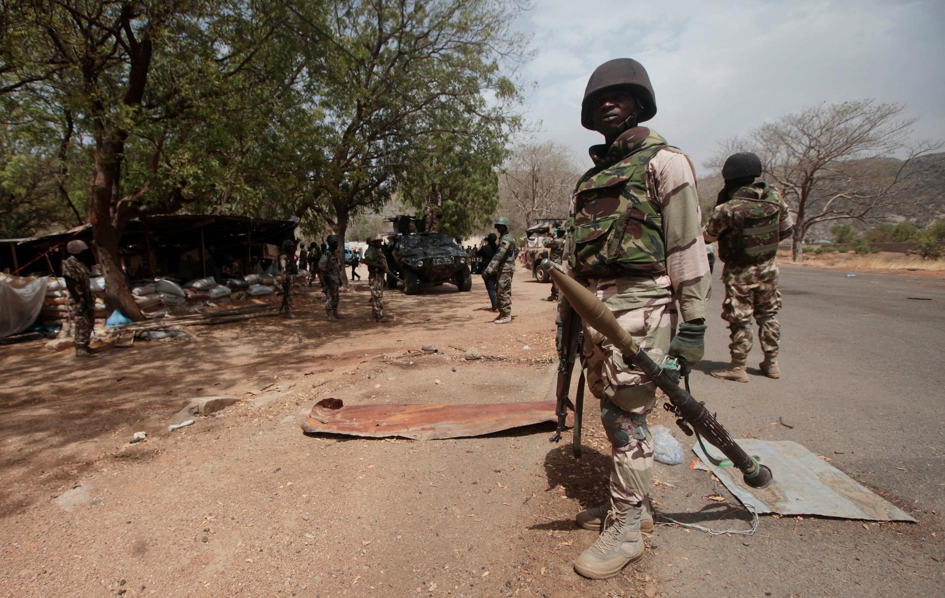 Nigeriansk militär slog tillbaka en attack mot en by. 34 dödades. Arkivbild.