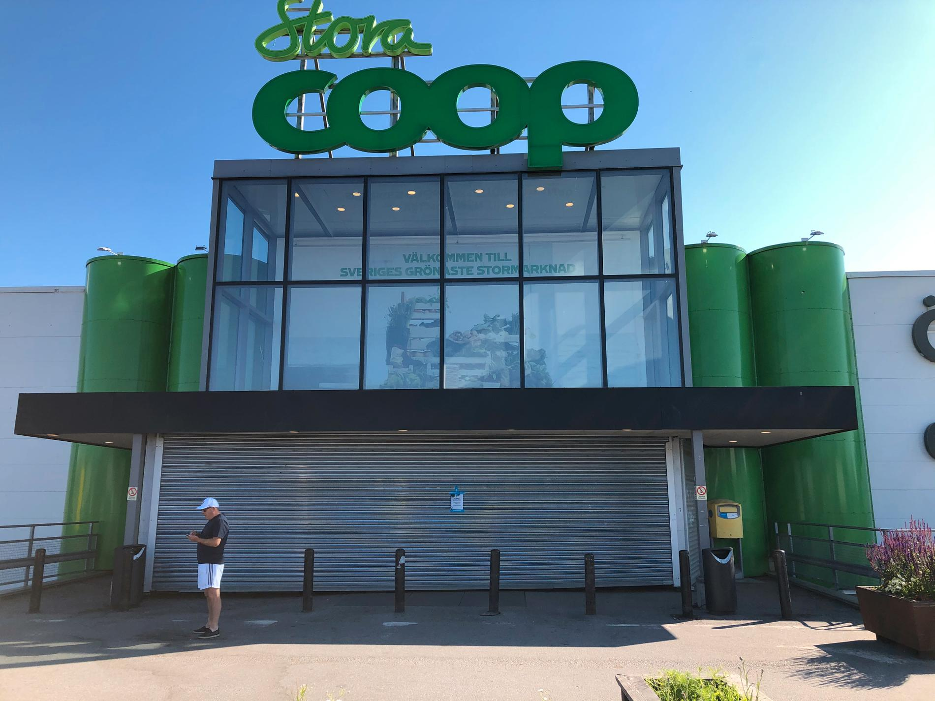 Stora Coop i Västberga håller stängt under lördagen.