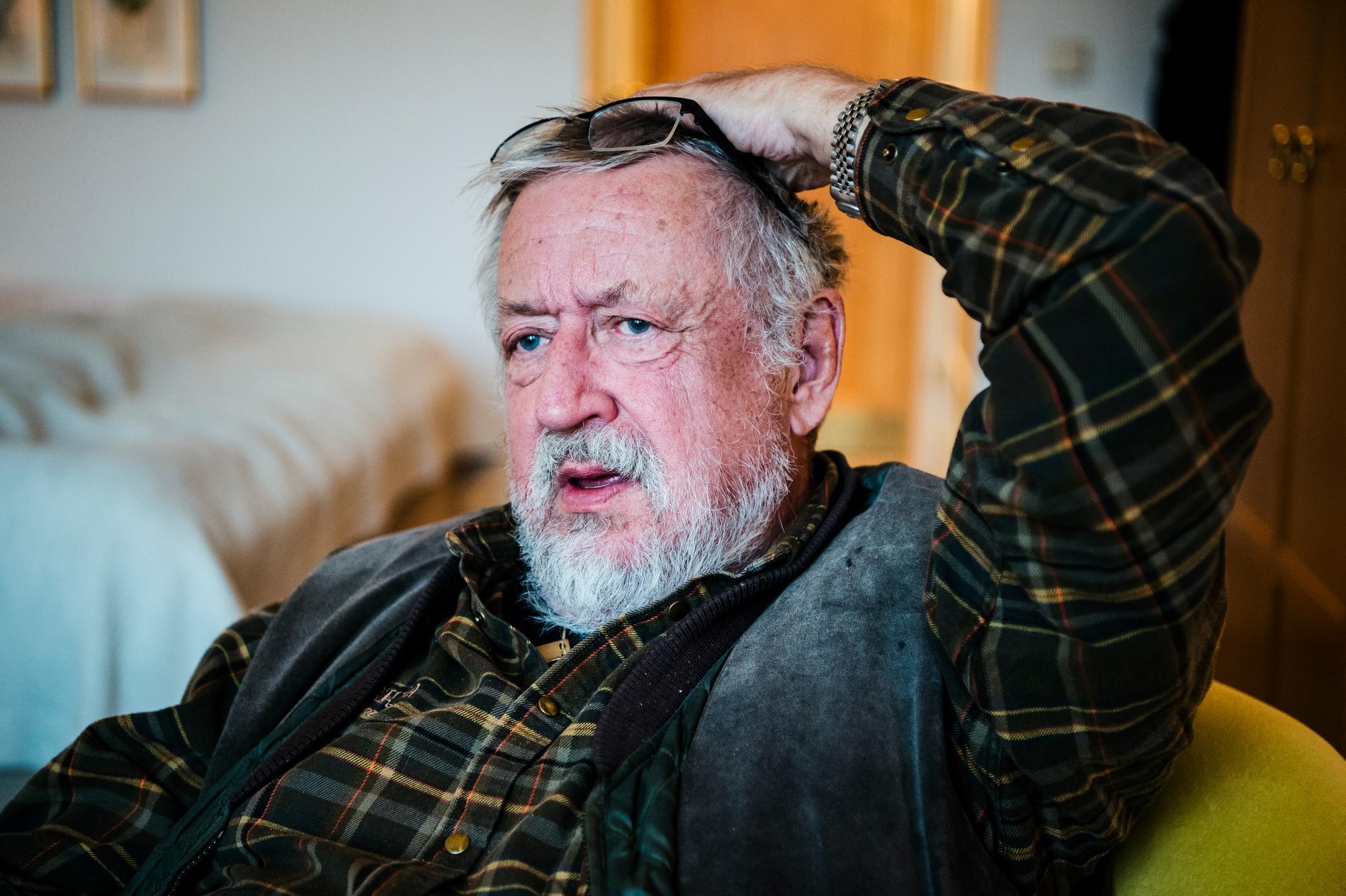 Leif GW Persson tycker att vanliga småsparare ska undvika aktier.
