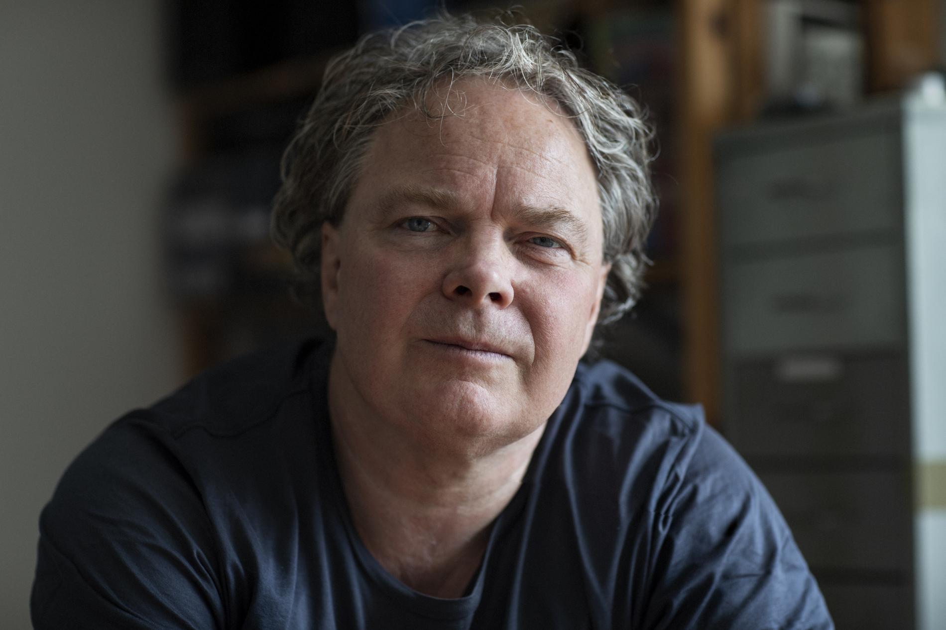 Magnus William-Olsson (född 1960), poet och litteraturkritiker.