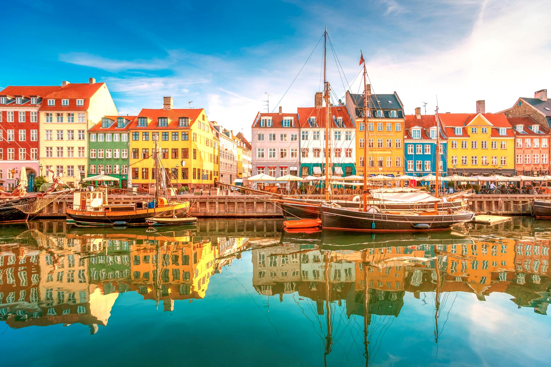 Nyhavn i Köpenhamn är ett mysigt besöksmål.