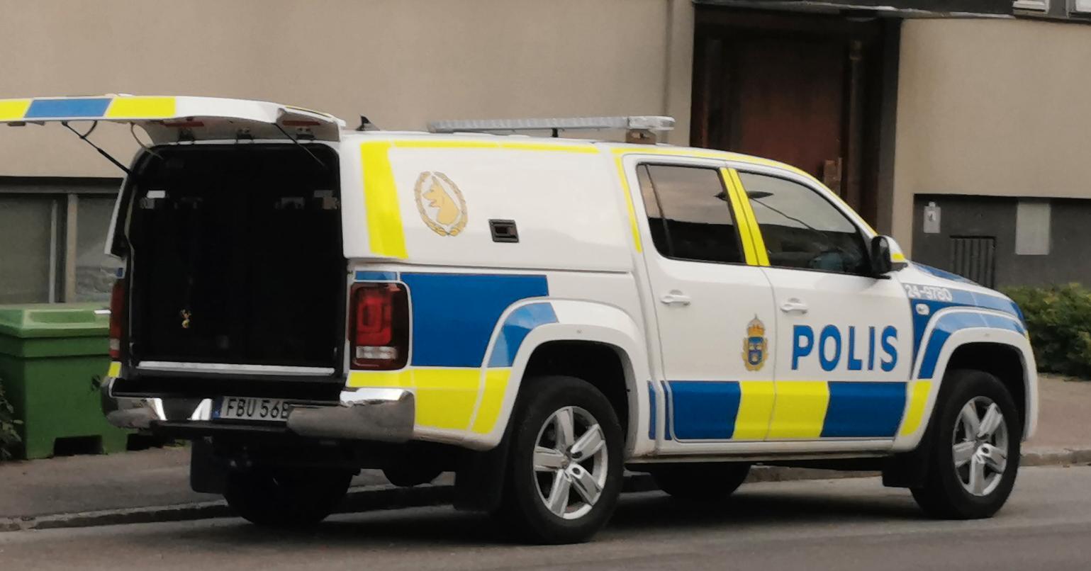 En person har blivit knivhuggen, enligt uppgifter till Aftonbladet.