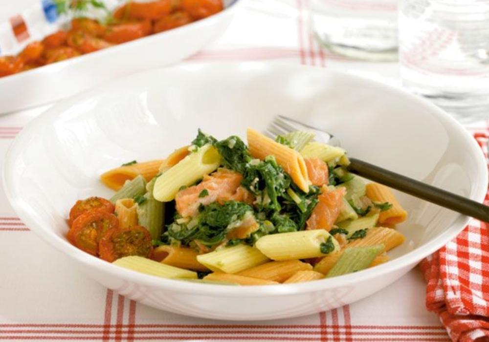 Lax- och spenatröra med pasta