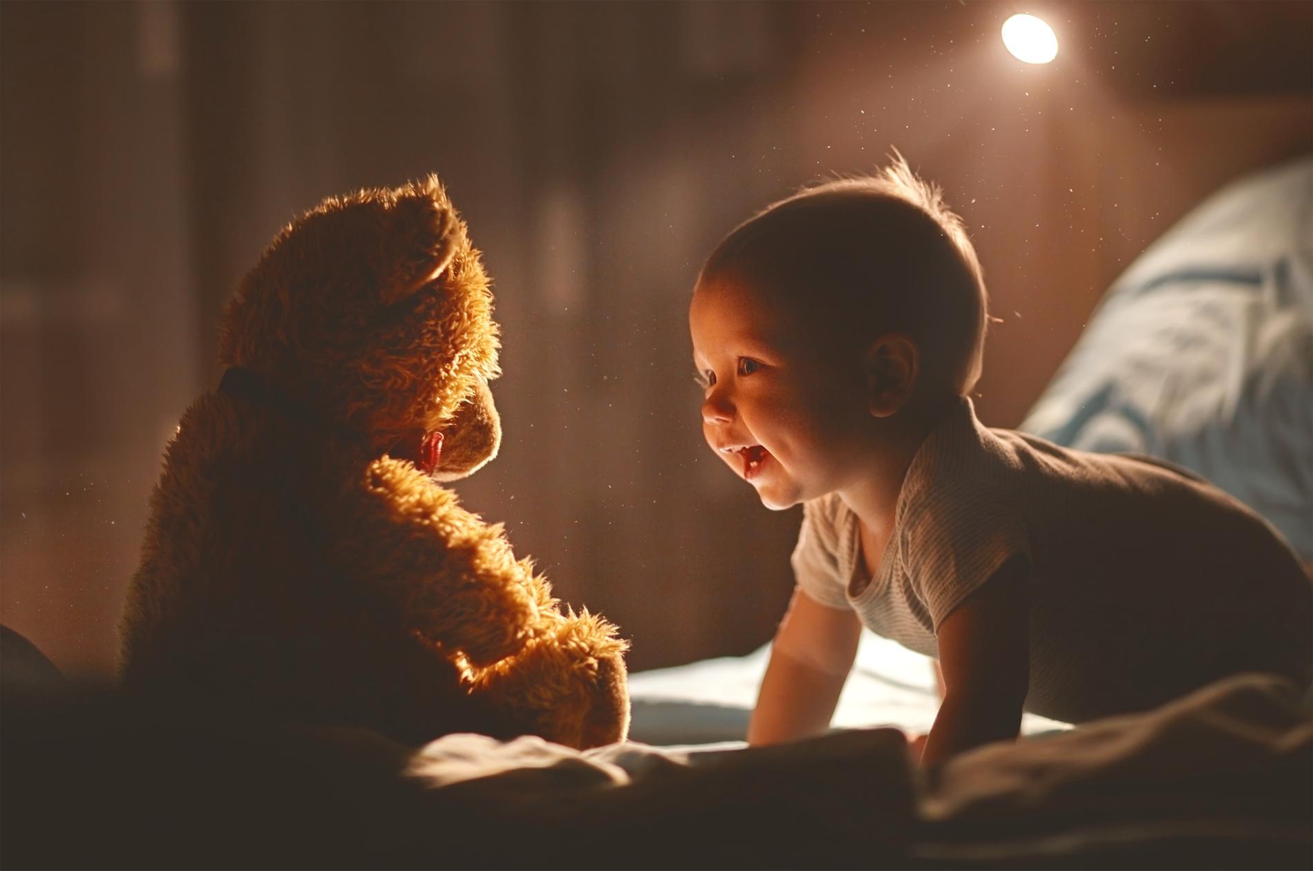 Det är mycket individuellt när ett barn börjar prata och det finns ingen anledning att försöka påskynda talet, heller.