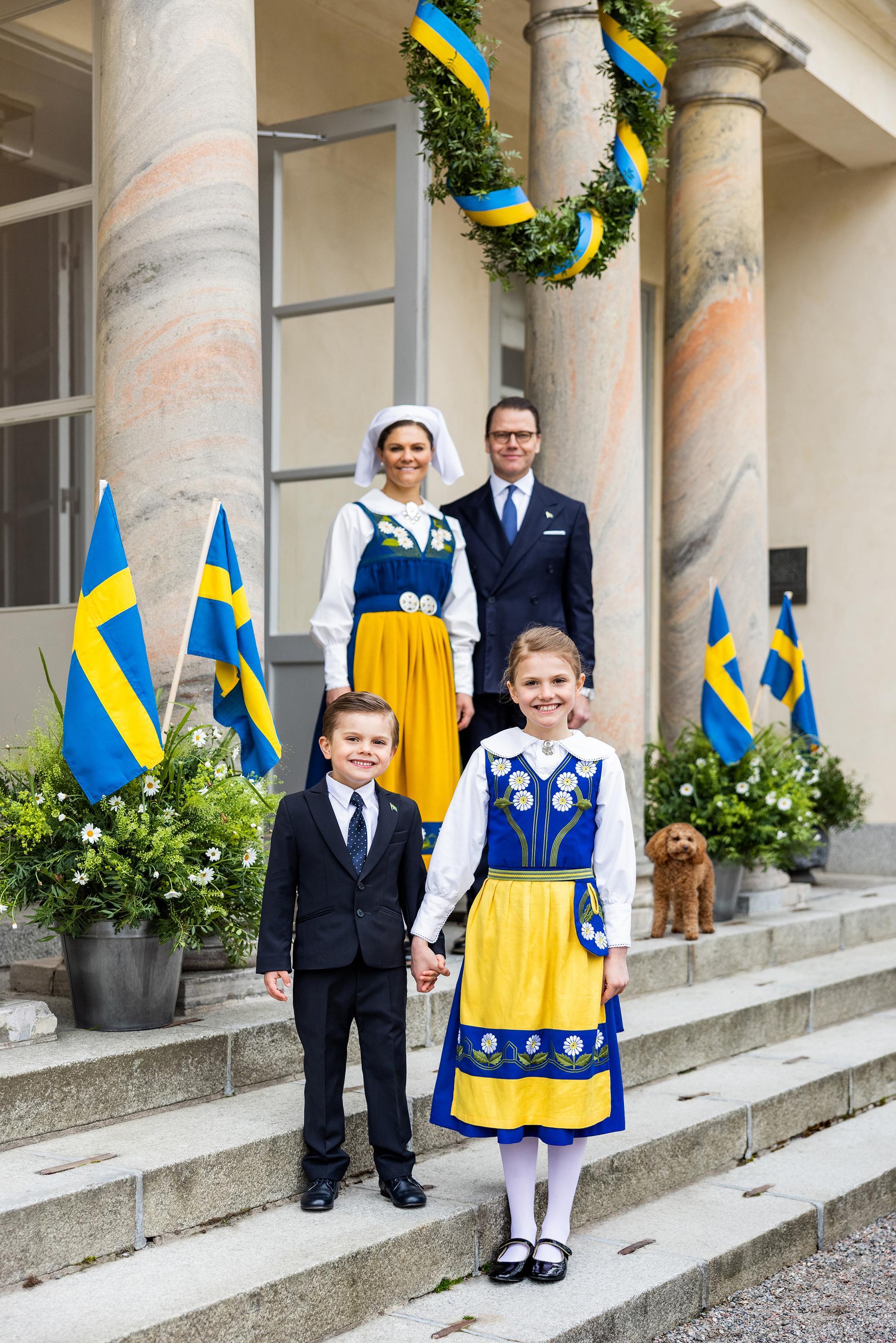 Kronprinsessfamiljen firar nationaldagen.