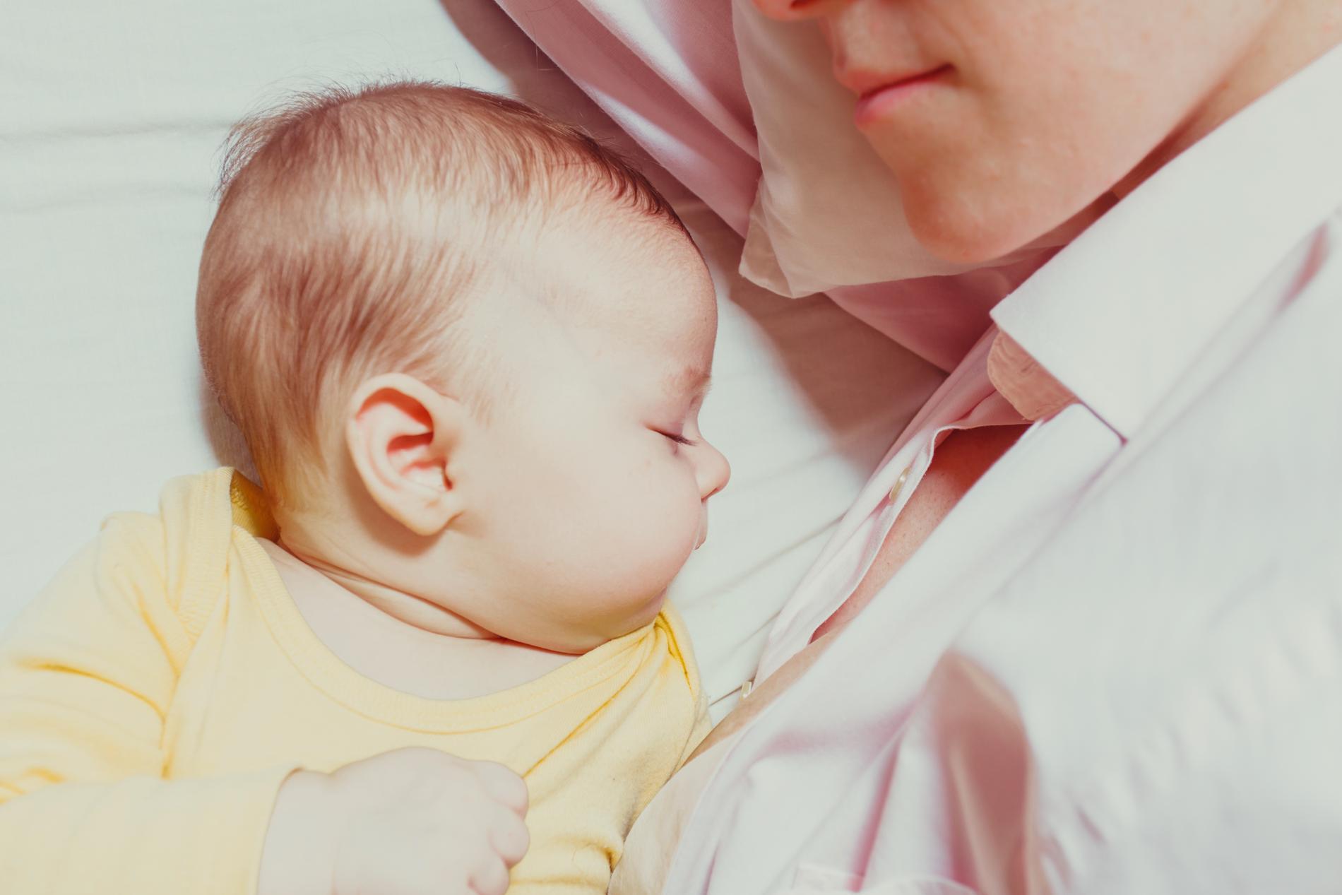 Det är viktigt att vara uppmärksam på ditt barns behov, och finnas där med stöd och tröst.