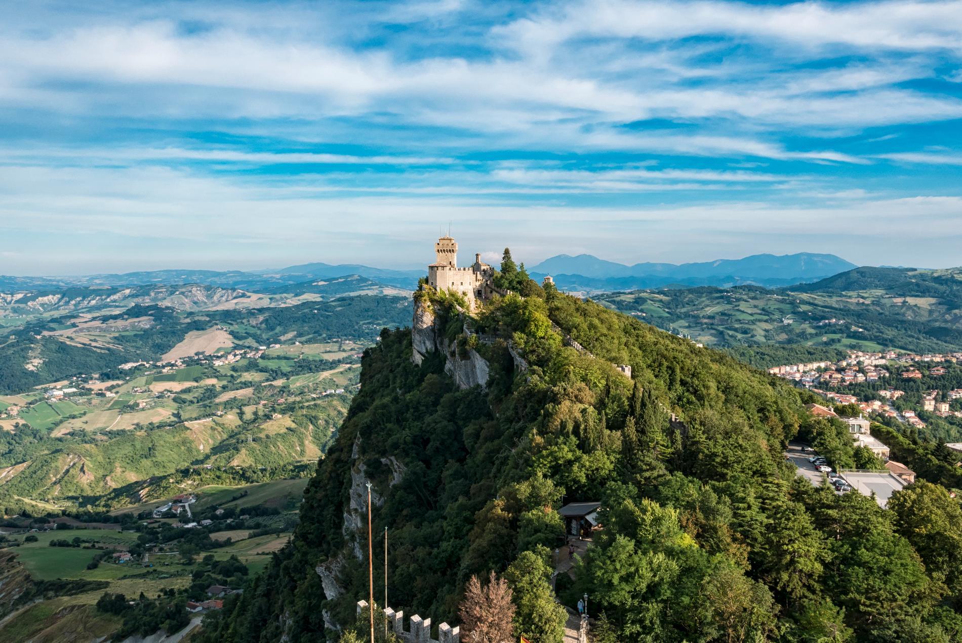 Det finns flera slott i San Marino.