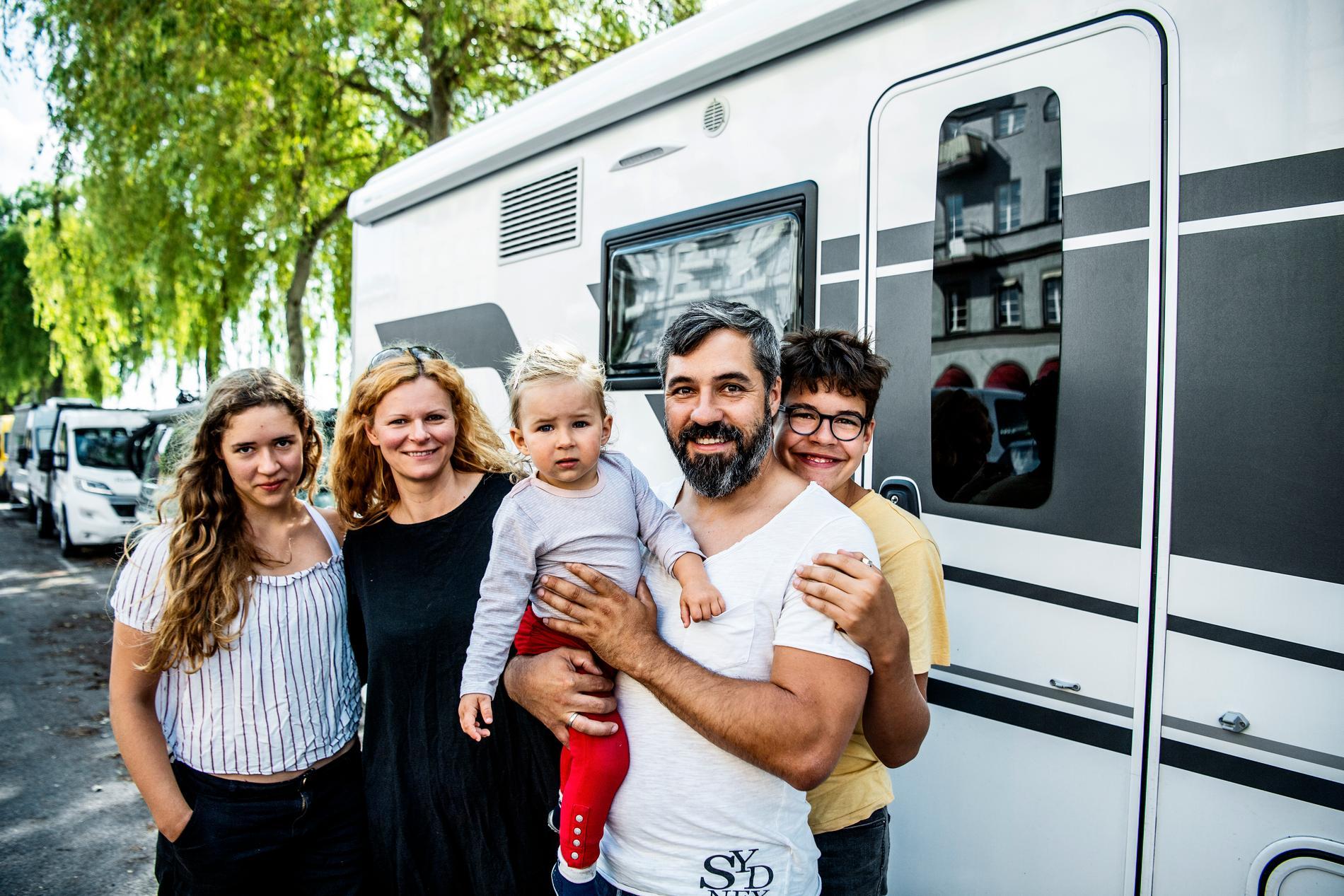 Alexander Schwandt, Freidrike Schwandt, Adele Schwandt, Justus Schwandt och Emilia Schwandt är turister från Tyskland.