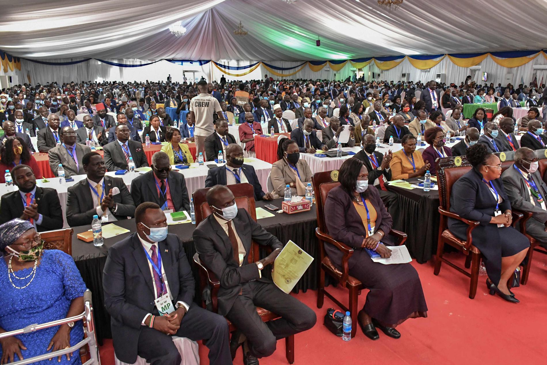 Sydsudans parlament är samlat för första gången.