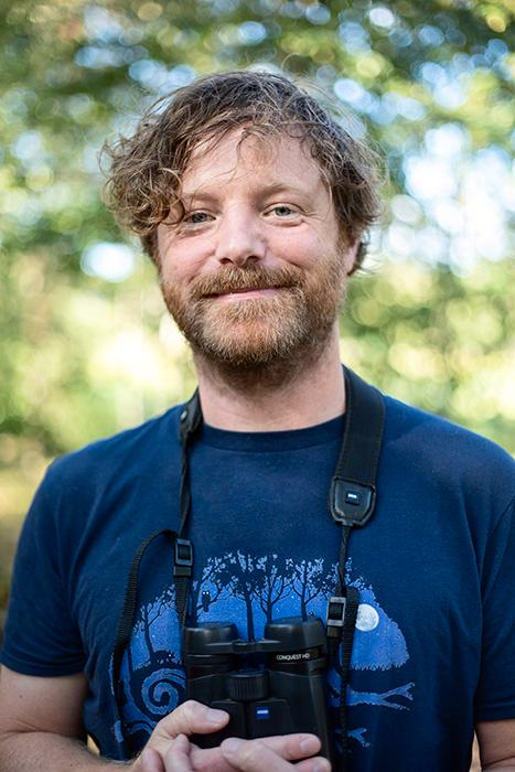 Erik Hansson började intressera sig för fågelskådning som ung, sedan dess har intresset utvidgats till allt som har med natur att göra.