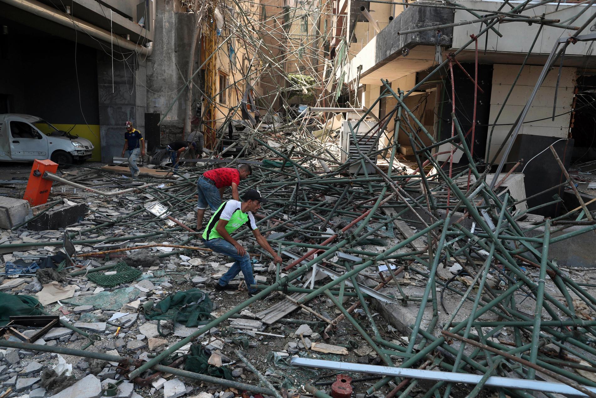 Bilder av förödelsen i Beirut.