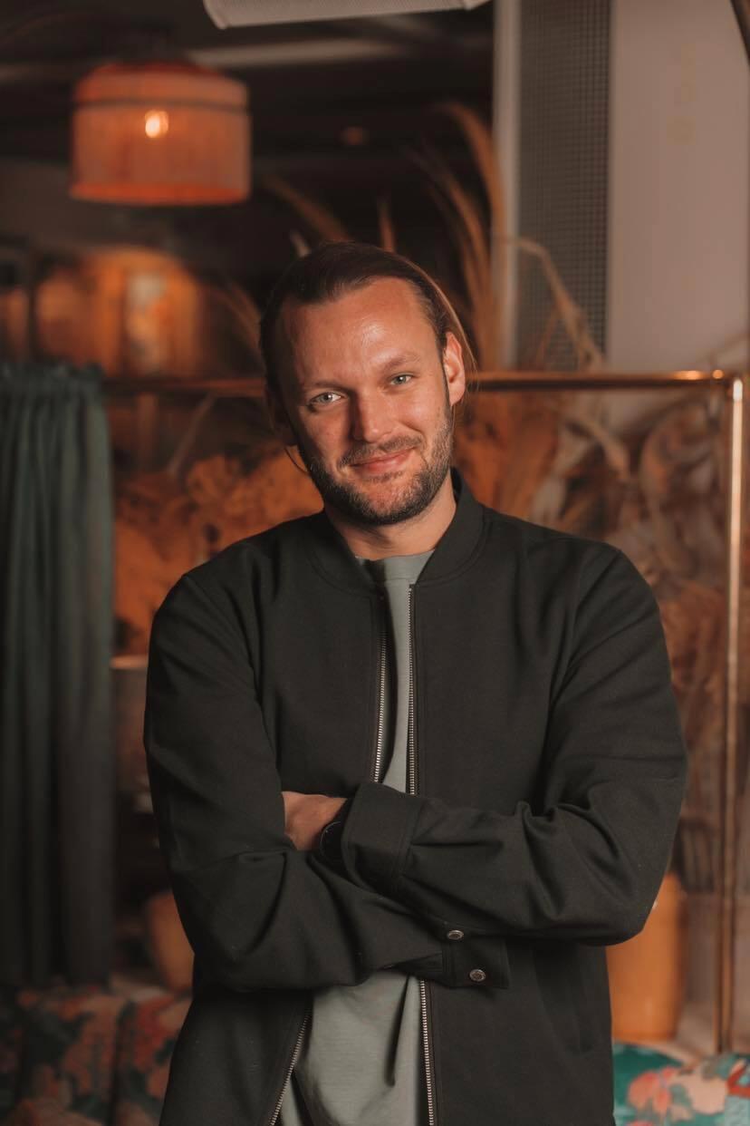 Alexander Clarensius är en av ägarna till restaurangerna Cheri-lee, Port du Soleil och 8ight i Göteborg.