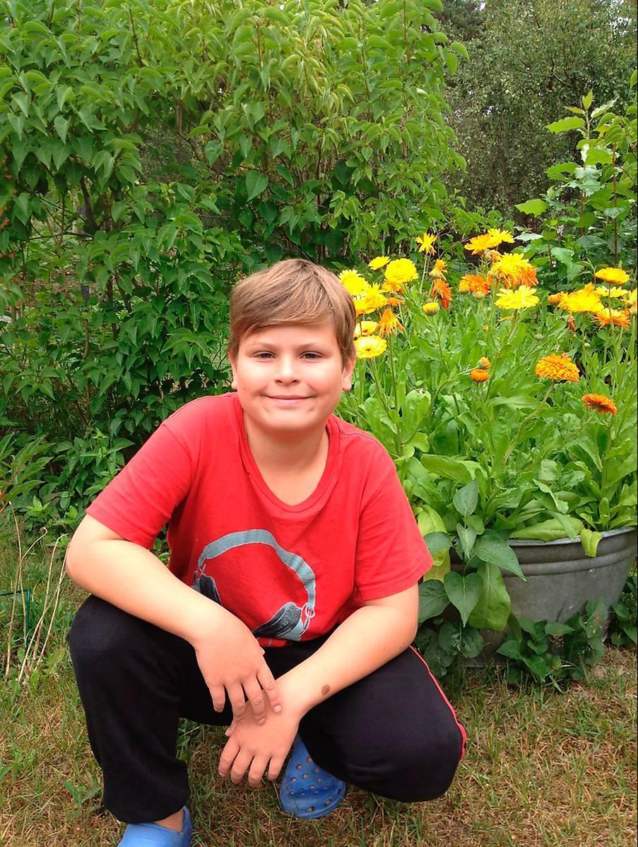 VÅGADE FRÅGA Simon Nordeman, 9, i Norsholm gillar inte löneskillnaderna mellan män och kvinnor. Därför bestämde han sig för att skriva brev till statsminister Fredrik Reinfeldt (M).