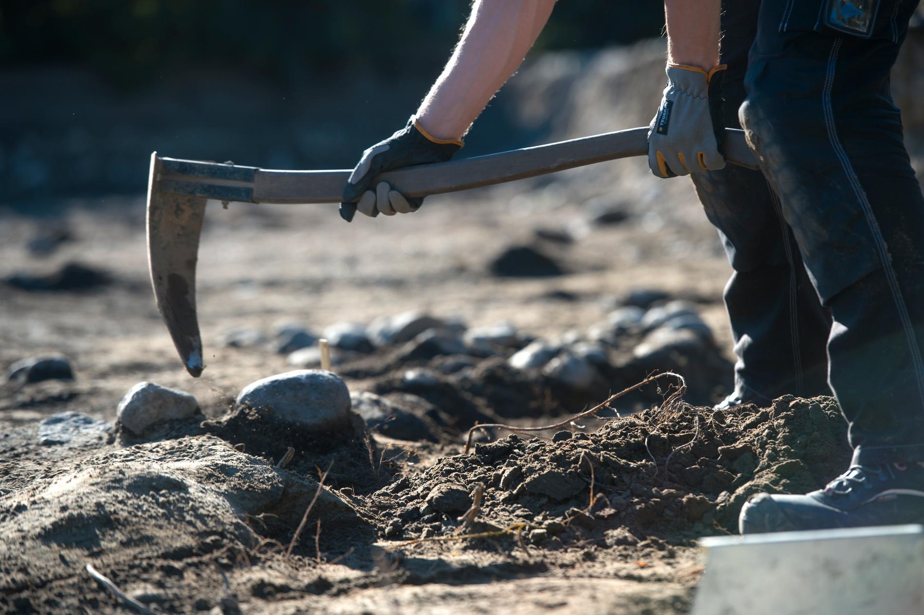 Arkeologerna tror att människor som brändes efter sin död gravsattes i de upphittade urnorna. Arkivbild.