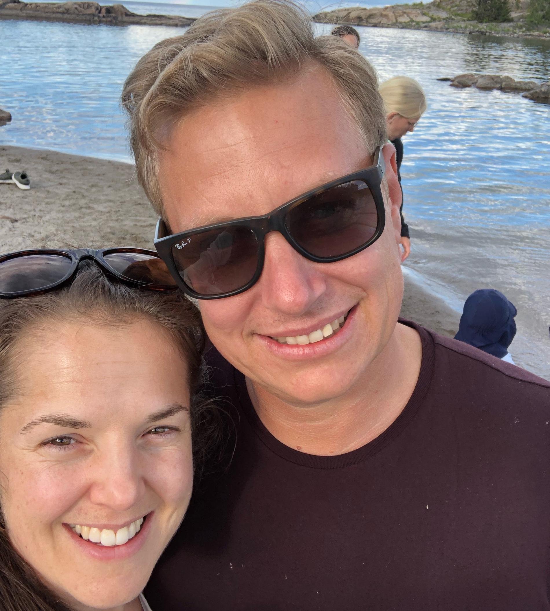 Elin och Andreas ska sälja pizza, matkassar, och öppna padelbana.