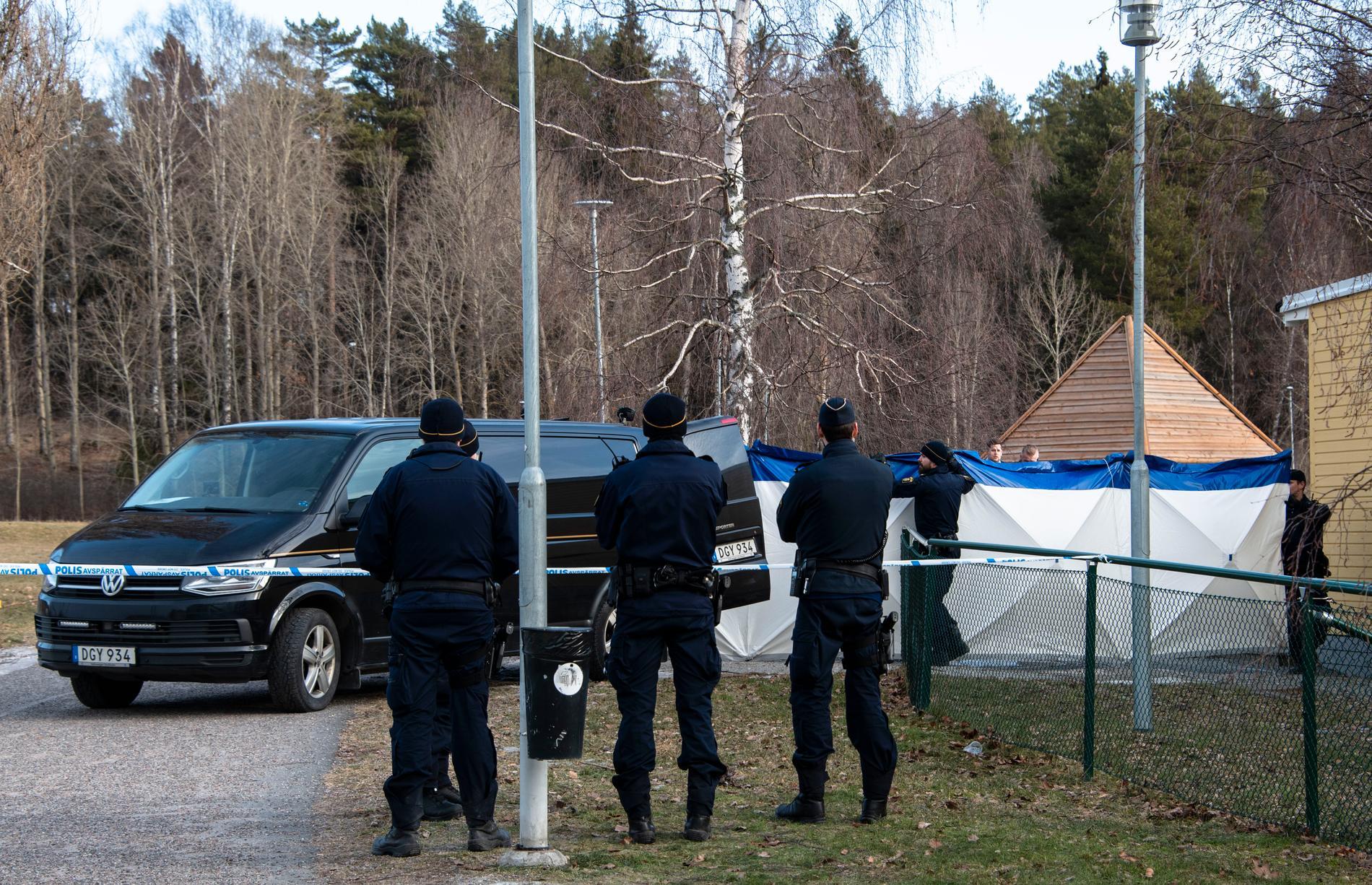 Två personer sköts ihjäl i februari 2019 i Upplands-Bro.