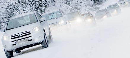 De sju stadsjeeparna utsätts för alla utmaningar ett vintertest ska innehålla.