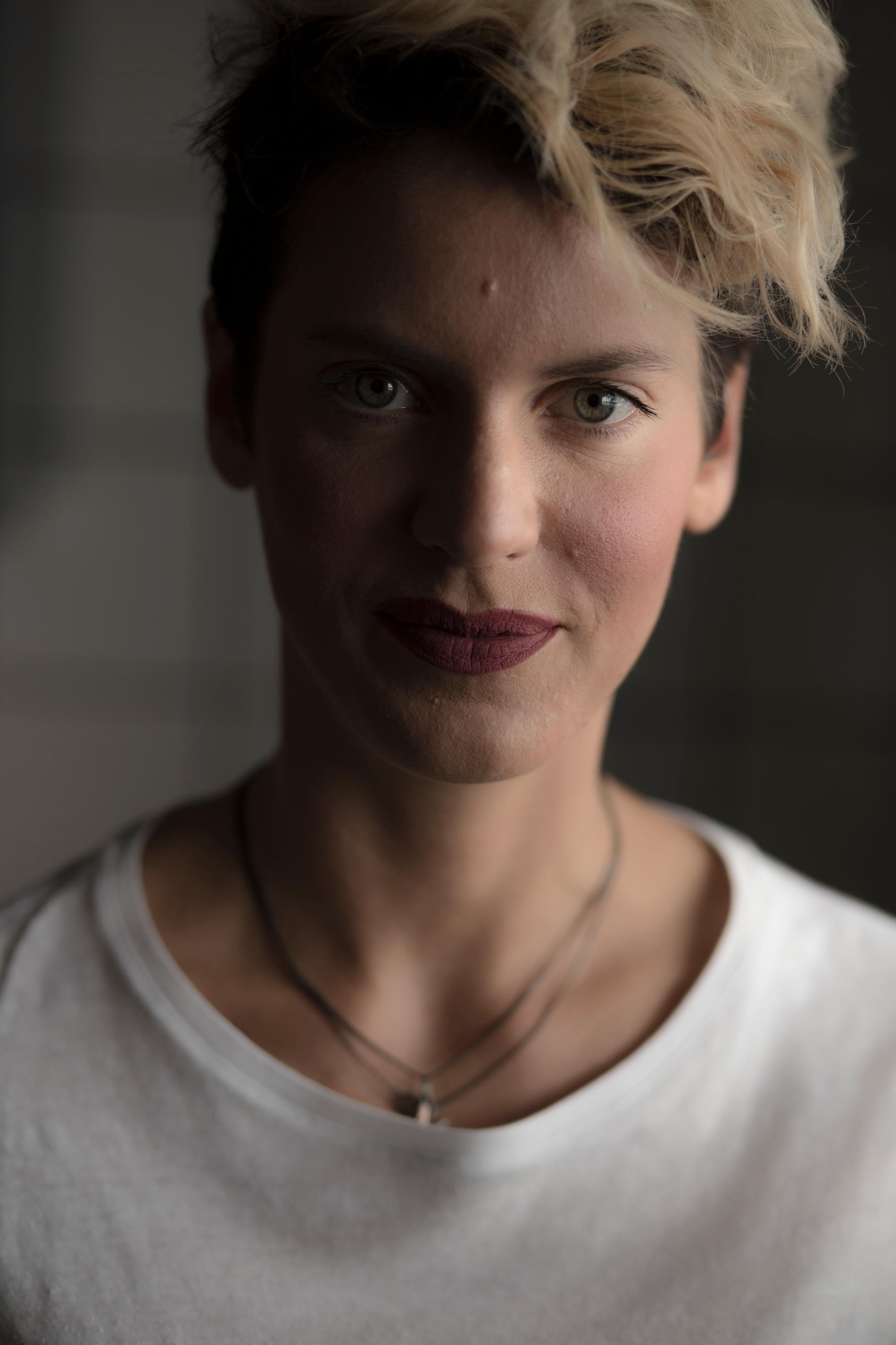 – Det gäller att jobba förebyggande, vi kan ju knappast stänga internet, säger Nina Rung.