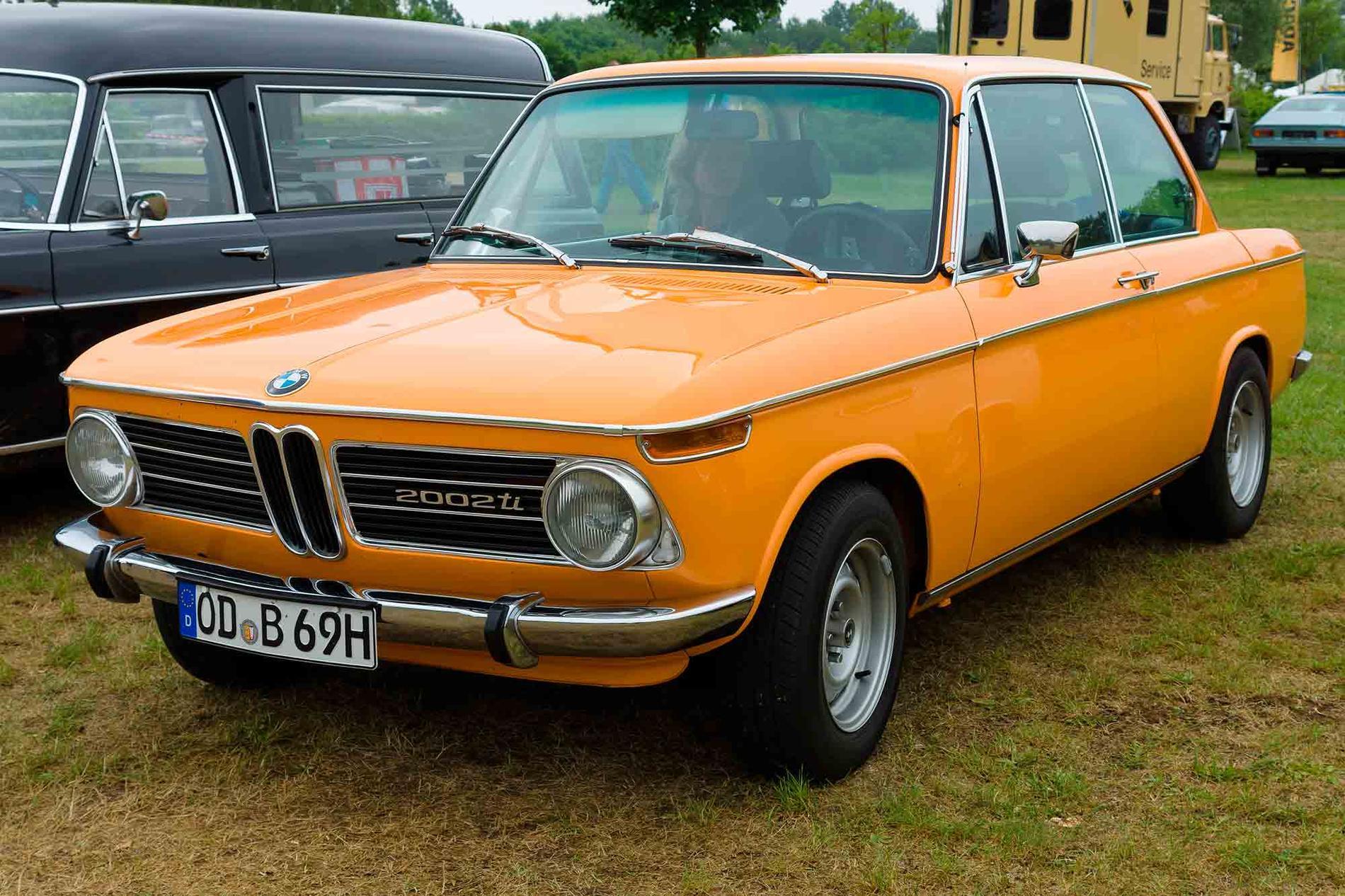 Särskilt orange och gröna 1970- och 1980-talsbilar av olika märken och modeller vill bilsamlarna ha.