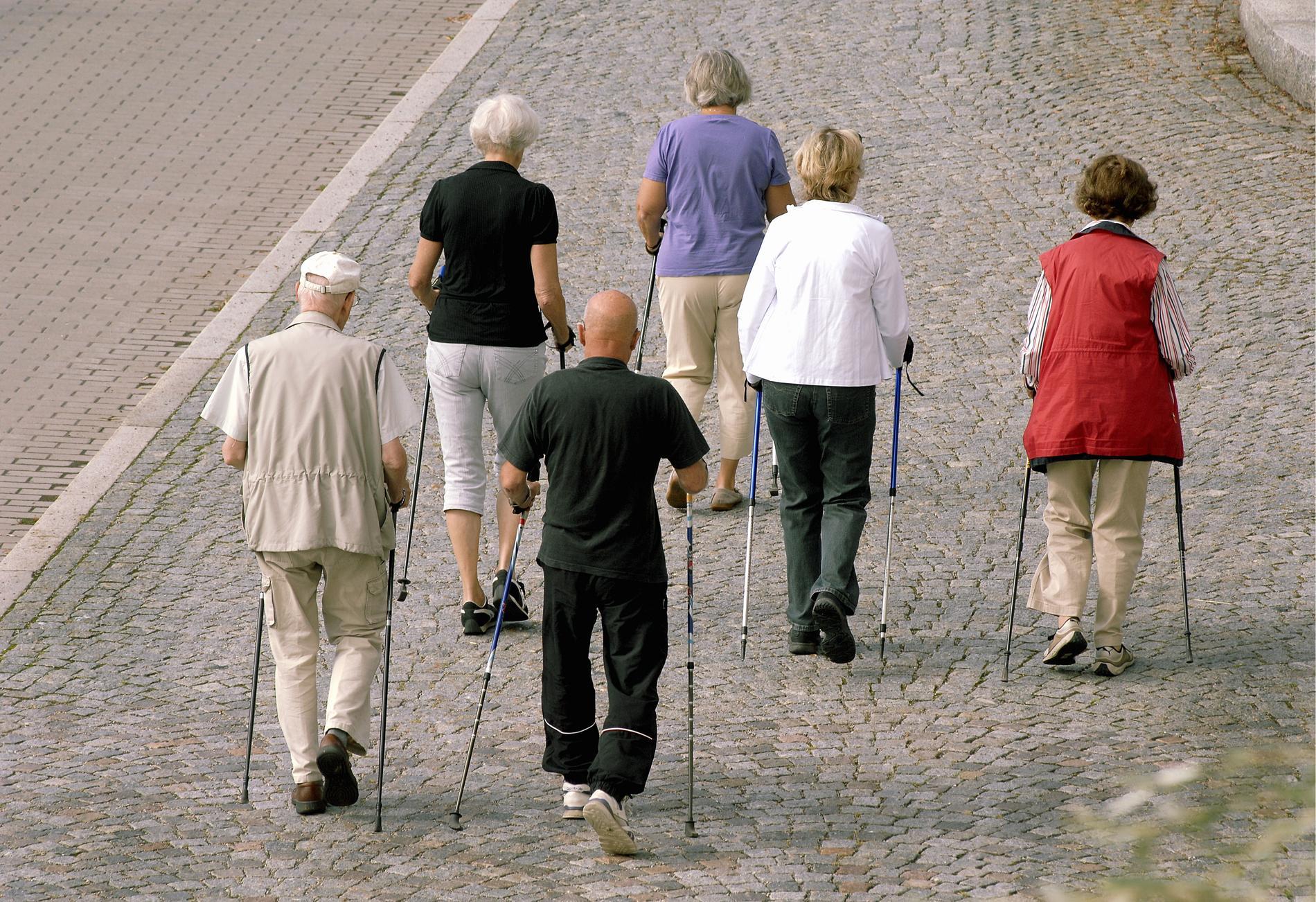 """Råden för de yngre äldre kan komma att ändras. """"Vi tror att svenskar är friskare när de är 70 år än vad kineser och italienare är"""", säger statsepidemiolog Anders Tegnell. Arkivbild."""