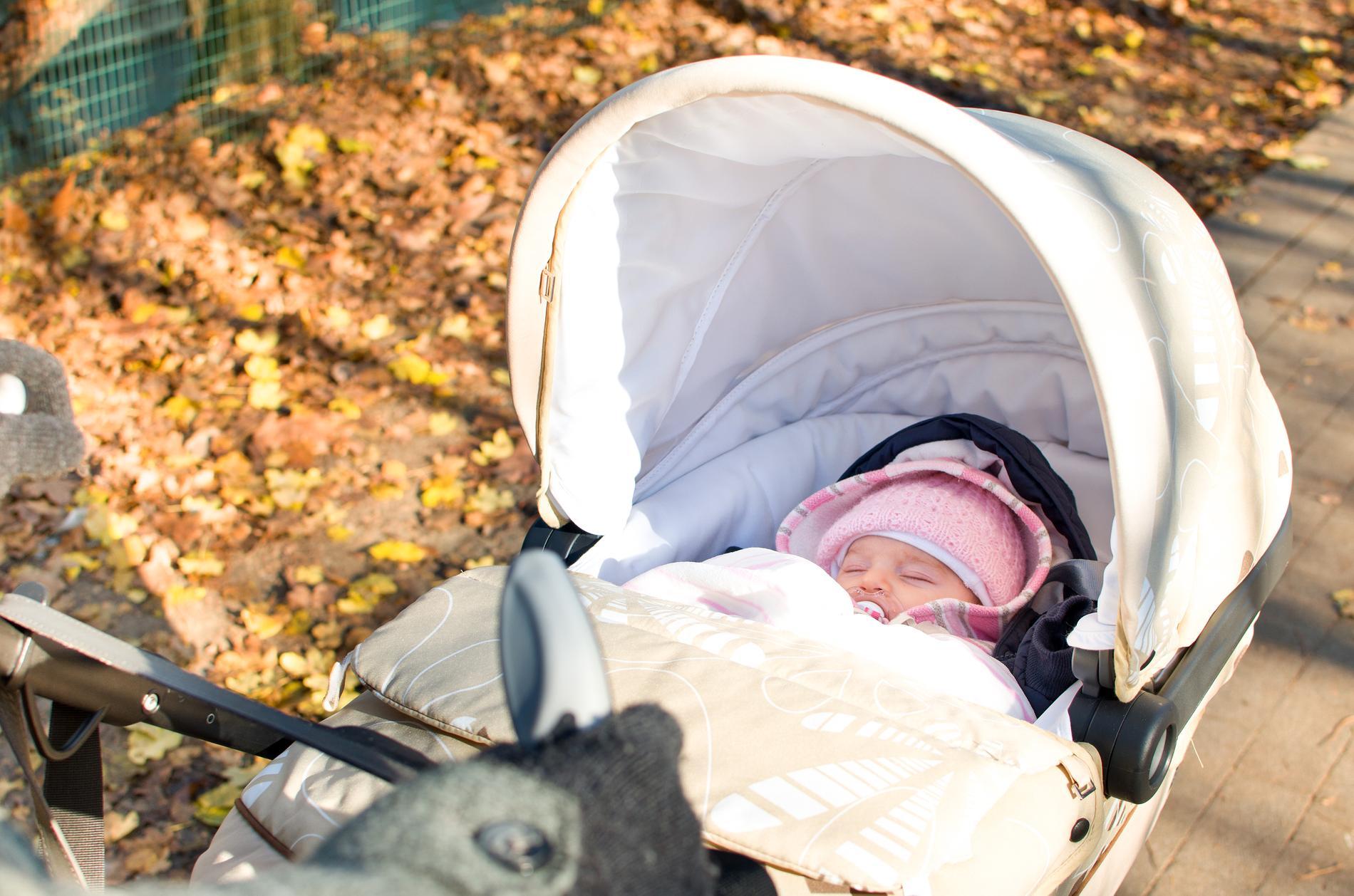 Viktigt är att det inte blir för varmt i vagnen för din lilla bebis.