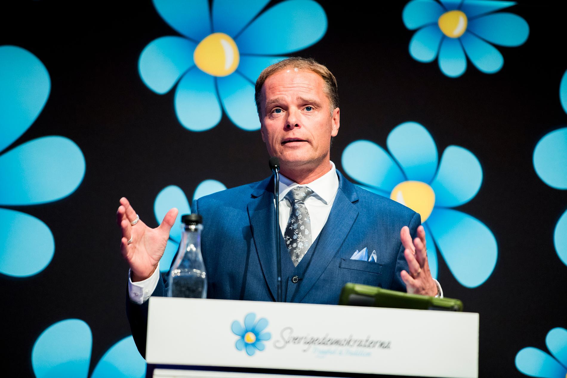 Peter Jakobsson i talarstolen på SD:s landsdagar 2017.