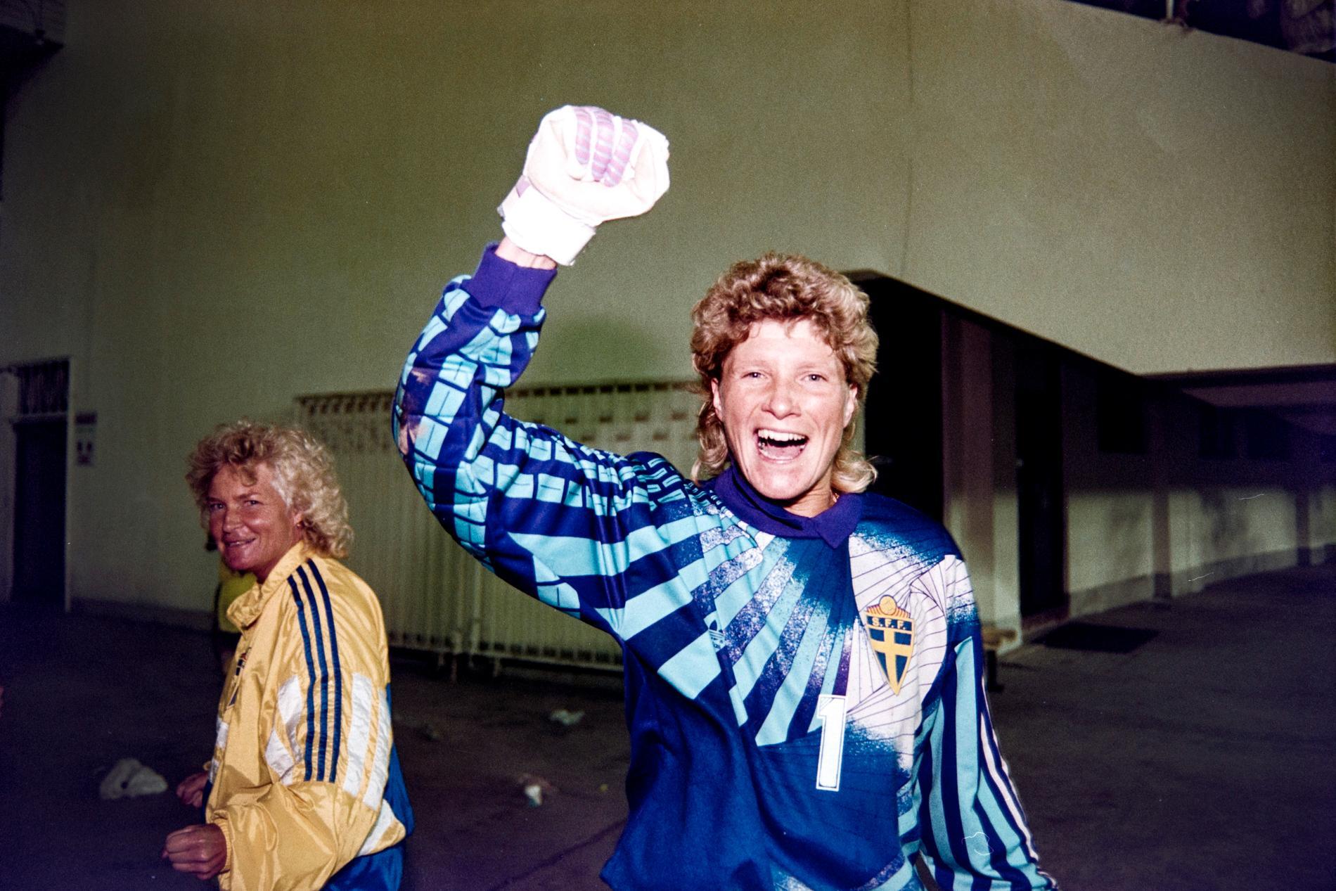Elisabeth Leidinge, Em-guldmedaljör och banbrytande på målvaktz