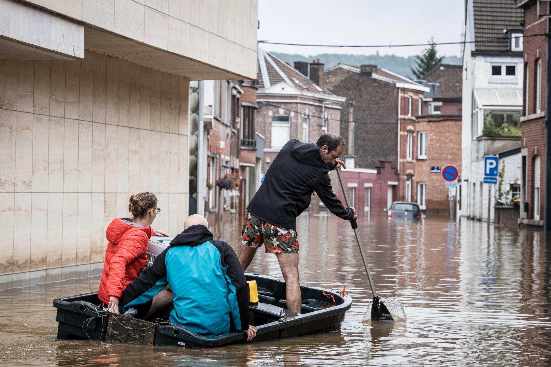 Stora översvämningar i Liège i Belgien.
